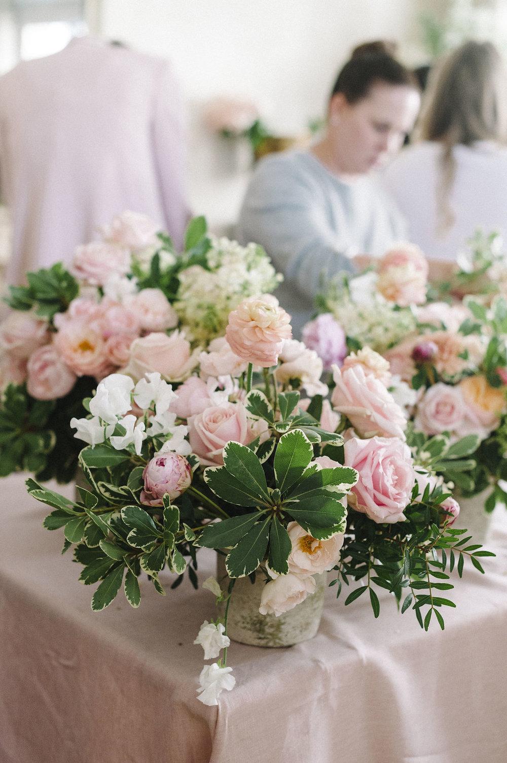 travellur_slow_travel_rendezvous_with_audrey_retreat_paris_flower_arranging_creative