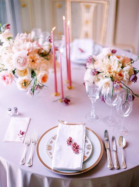 travellur_slow_travel_rendezvous_with_audrey_retreat_paris_luxury_photoshoot_table_flowers_candles
