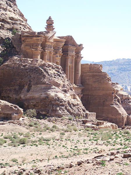 travellur_slow_travel_destination_j ordan_history_architecture_roman_city_petra.jpg.jpg