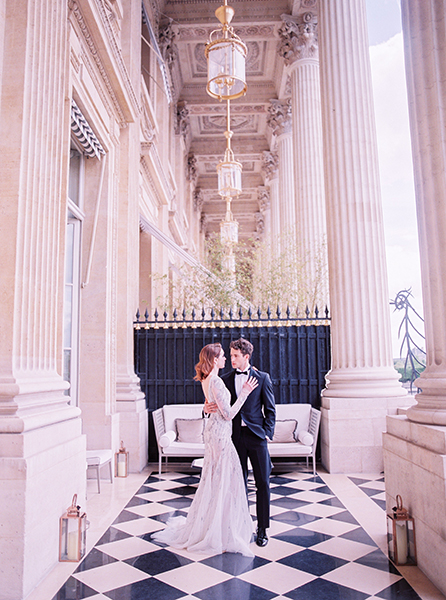 Travellur_Le_Secret_D_Audrey_CRILLON_slow_travel_photography_shoot_paris_guests_wedding_couple_bride_groom.jpg