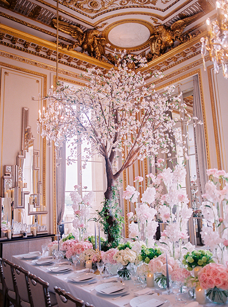 Travellur_Le_Secret_D_Audrey_CRILLON_slow_travel_photography_shoot_paris_guests_wedding_table_stylist_cristin_francis1.jpg