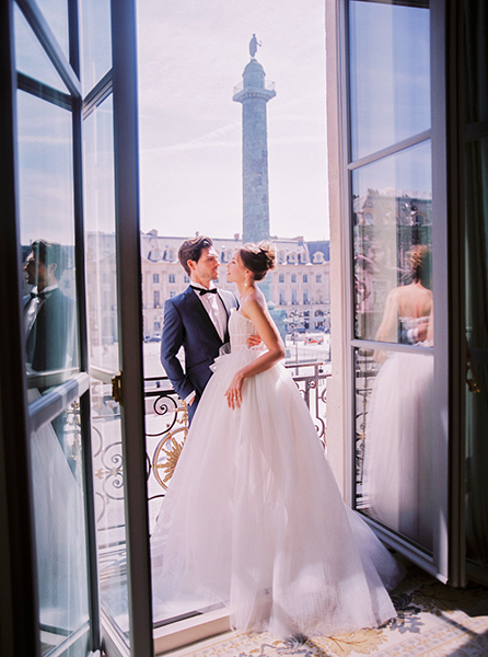 travellur_slow_travel_photoshoot_paris_Le_Secret_D_Audrey_ritz_wedding_bride_groom.jpg