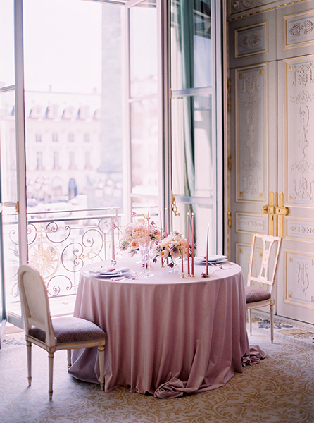 travellur_slow_travel_photoshoot_paris_Le_Secret_D_Audrey_ritz_wedding_romance_love.jpg
