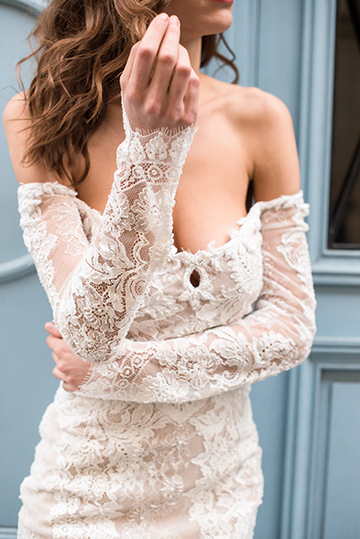 travellur_slow_travel_bridal_shoot_paris_bridge_dress_galia_lahav_closeup.jpg