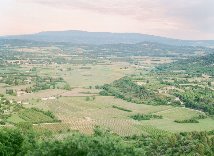 Copy of travellur_provence_wedding_venue_tour_countryside