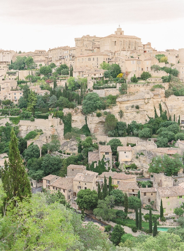 travellur_provence_wedding_venue_tour_village