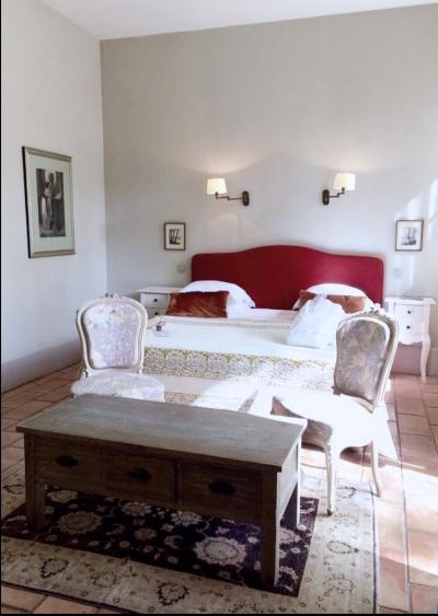 Provence_wedding_venue_tour_bedroom3.jpg