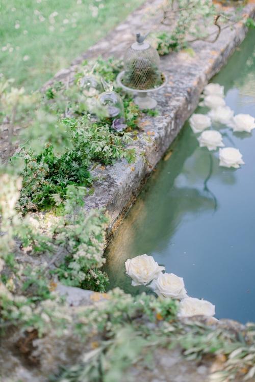 Provence_wedding_venues_Chateau_de_Roussan_pond