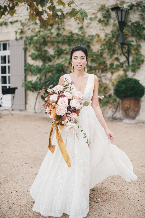 travellur_still55_photography_shoot_france_provence_closstesteve_wedding_dress_eisen_stien_bridal_joseph_rogero_photography.jpg