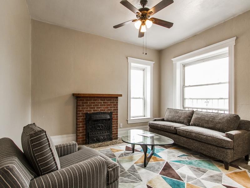 Living-Room_800x600_2397658.jpg