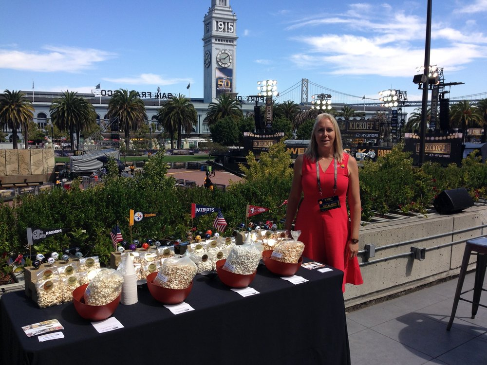 POP Mama POP was an honored guest at the Superbowl 50 celebrations in San Francisco! Blue skies and plenty of popcorn to eat!