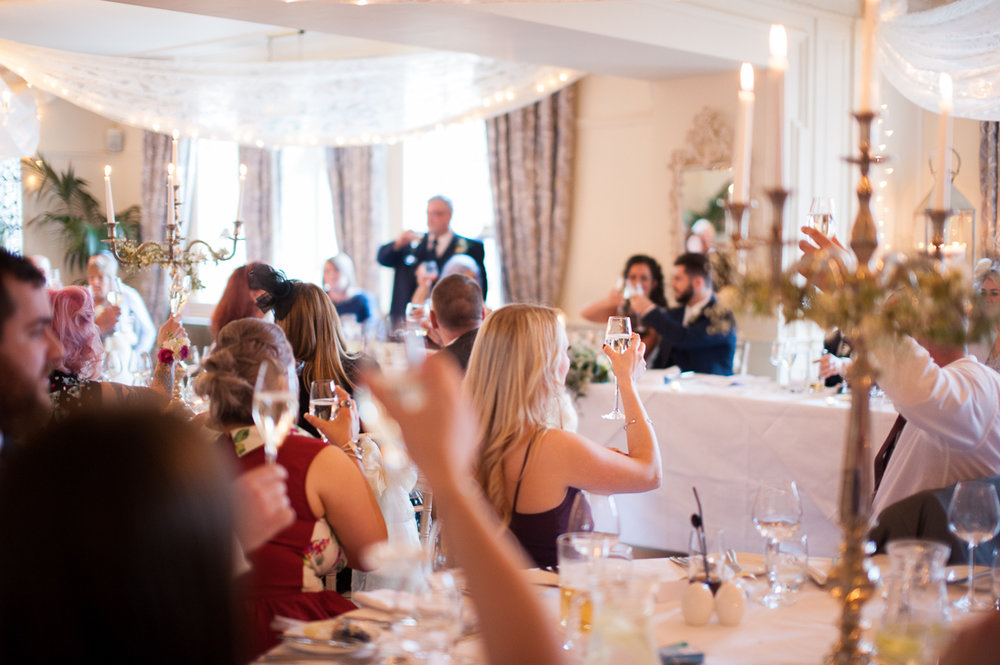 Documentary photography of the guest during wedding speeches