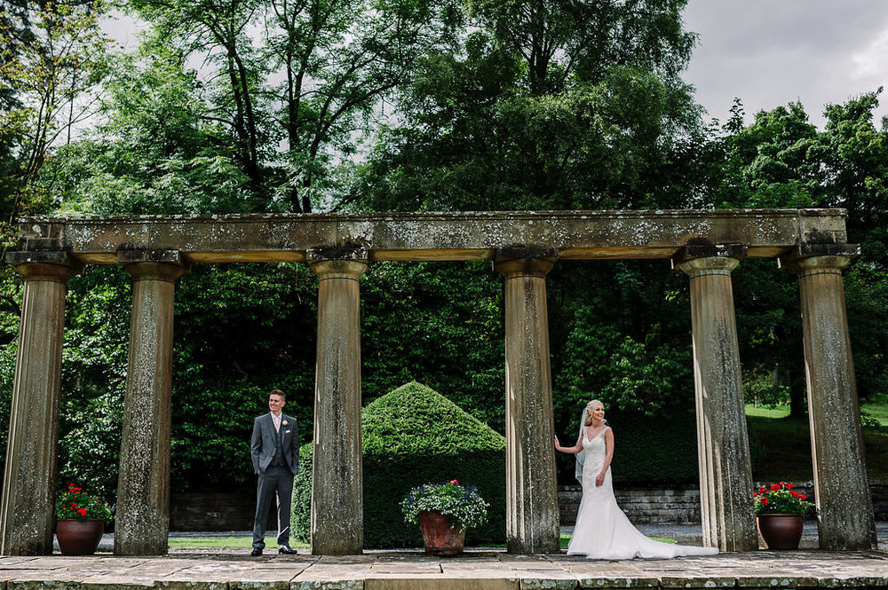 AN ELEGANT SUMMER WEDDING IN THE RIBBLE VALLEY