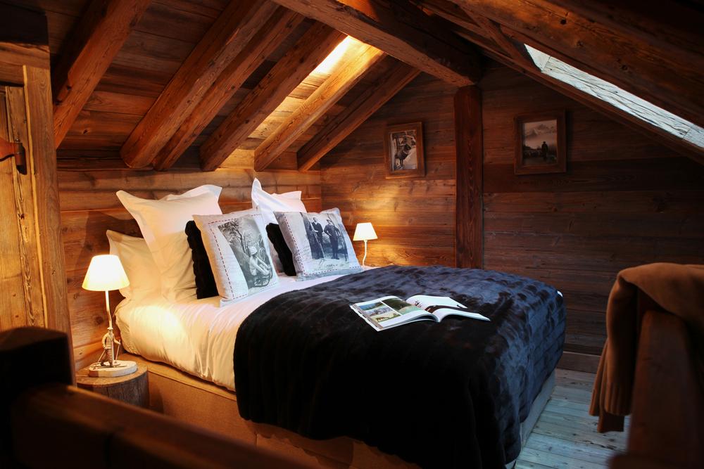 Portetta Chalet Petit Marmotte Bed.jpg