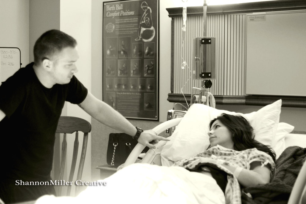 Landon's father, Derek, talks to Bianca in between contractions