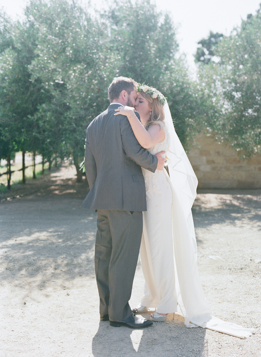 santabarbarawedding.com | Santa Barbara Wedding Style Blog | Elizabeth Messina Photography | Sunstone Villa Weddings | Merryl Brown Events | Apricot and Taupe Wedding Ideas