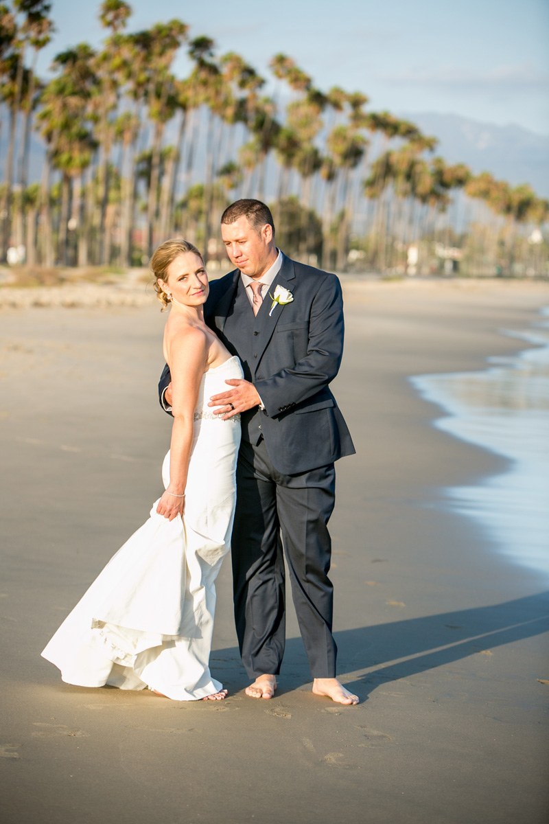 www.santabarbarawedding.com | Andrejka Photography | Santa Barbara Courthouse | Bride and Groom