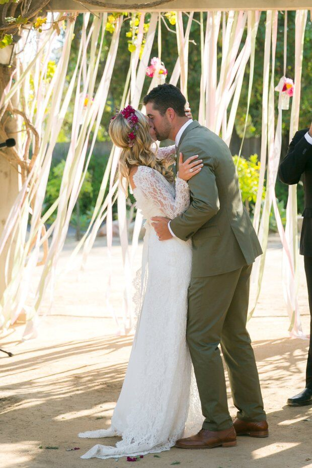 santabarbarawedding.com | Santa Barbara Wedding Style Blog | Couple Kissing | Soleil Events | Wedding Ceremony | Ribbon Ceremony Decor