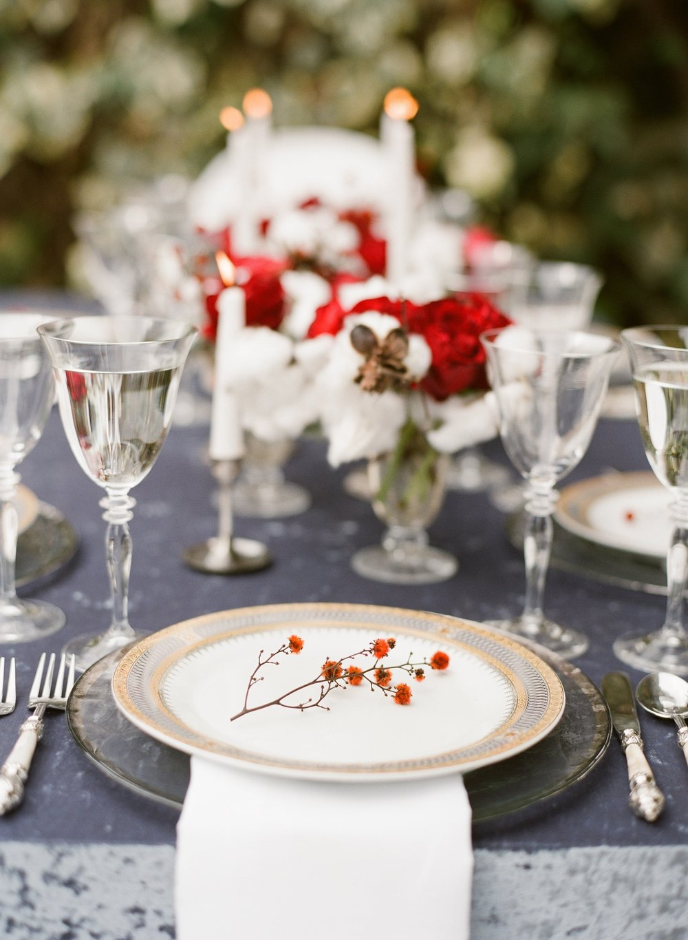 santabarbarawedding.com | Photo: Michael and Anna Costa | Elegant Holiday inspiration