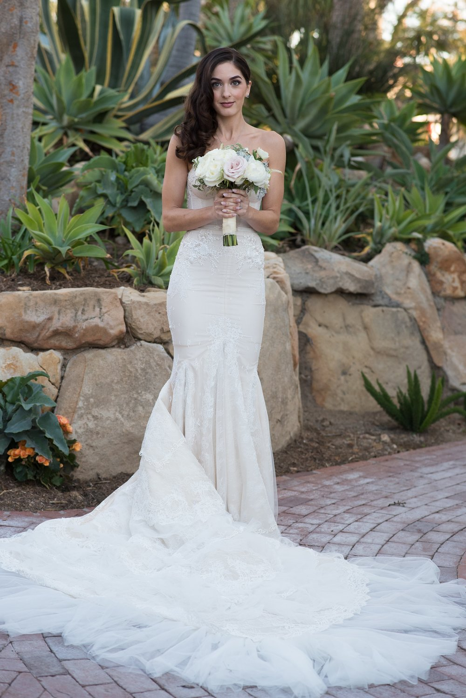 www.santabarbaraweddingstyle.com | Santa Barbara Wedding Style | Precious and Blooming | El Encanto Wedding | Nate and Jenny Weddings | Bride in Wedding Dress front