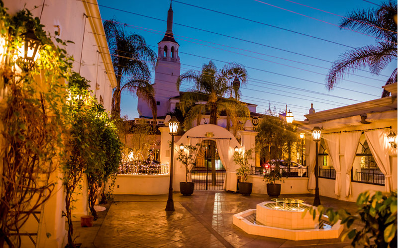 www.santabarbarawedding.com | Location Spotlight | Villa and Vine | Restaurant Location | Private Event | Rehearsal Dinner | Petros Restaurant