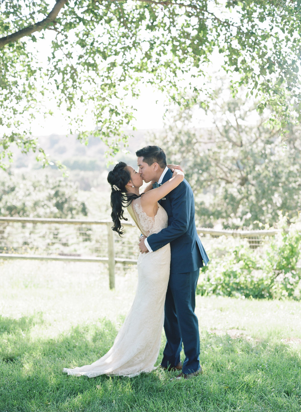 santabarbarawedding.com | Photo: Beaux Arts Photographie | Playful Winery Wedding at Firestone Winery Santa Ynez