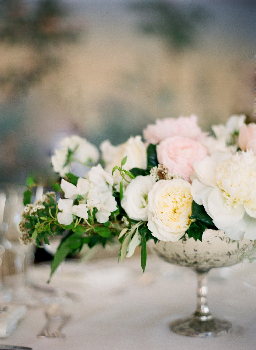 santabarbarawedding.com | Photo: Diane McGregor | Romantic Garden wedding in Montecito