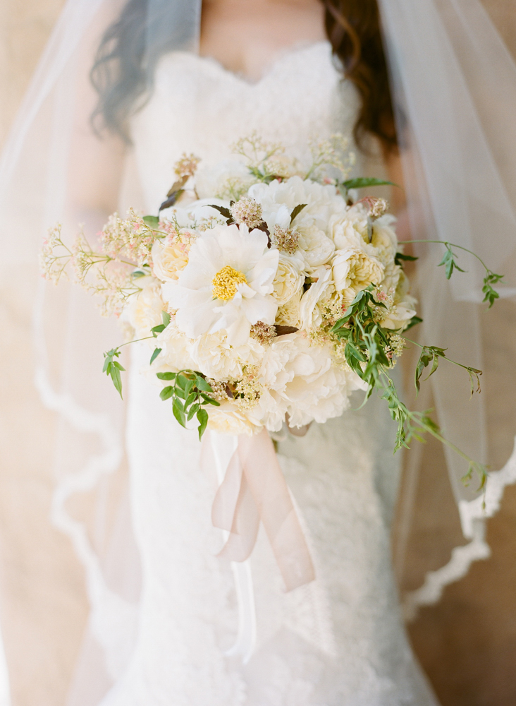 santabarbarawedding.com | Photo: Beaux Arts Photographie | Our lady of Mt Carmel wedding