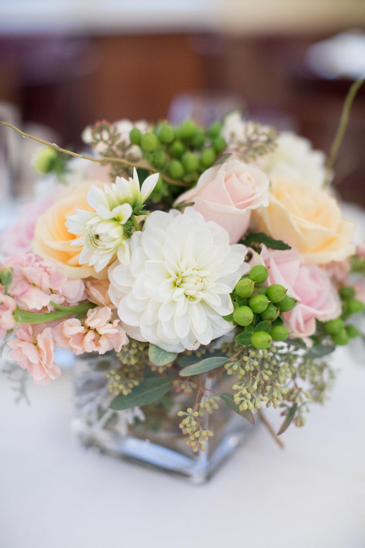 www.santabarbarawedding.com | Anna J Photography | University Club of Santa Barbara | Reception Flowers