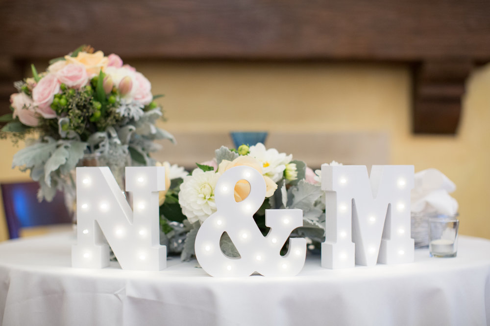www.santabarbarawedding.com | Anna J Photography | University Club of Santa Barbara | Bride and Groom Table