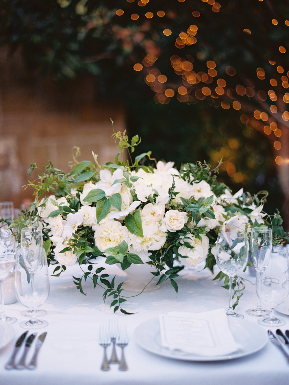 www.santabarbarawedding.com | San Ysidro Ranch | Pat Moyer Photography | Floral Arrangements