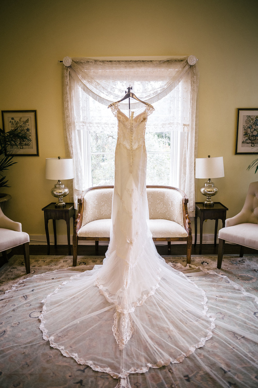 www.santabarbarawedding.com | The Riviera Mansion | Rewind Photography | Wedding Dress