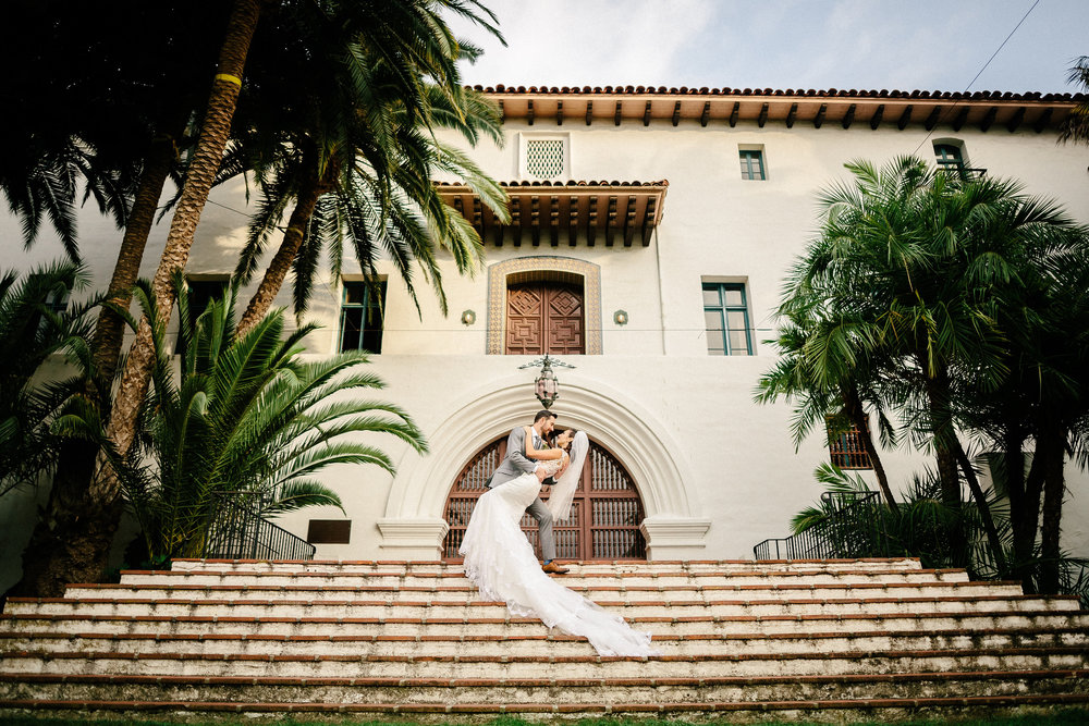 www.santabarbarawedding.com | The Riviera Mansion | Rewind Photography | Bride and Groom