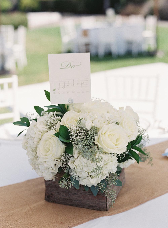 www.santabarbarawedding.com | Rani Hoover | Linda Chaja Photography | Bacara Resort | Floral Arrangement
