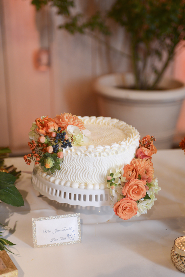 www.santabarbarawedding.com | By Cherry Photography | Rincon Beach Club | Wedding Cake