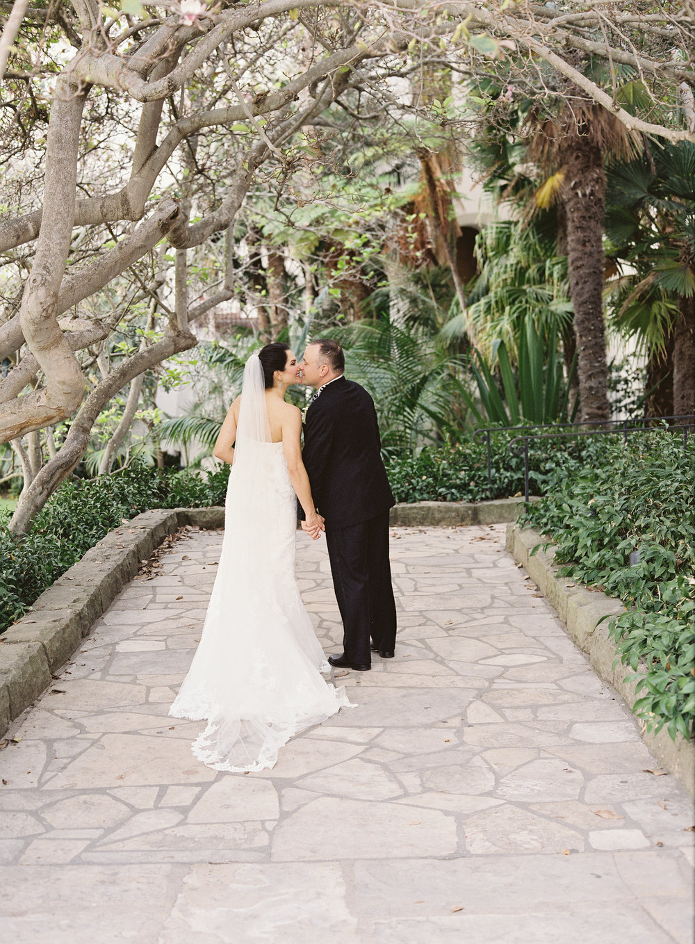 www.santabarbarawedding.com | Linda Chaja Photography | Santa Barbara Museum of Natural History Sea Center | Bride and Groom