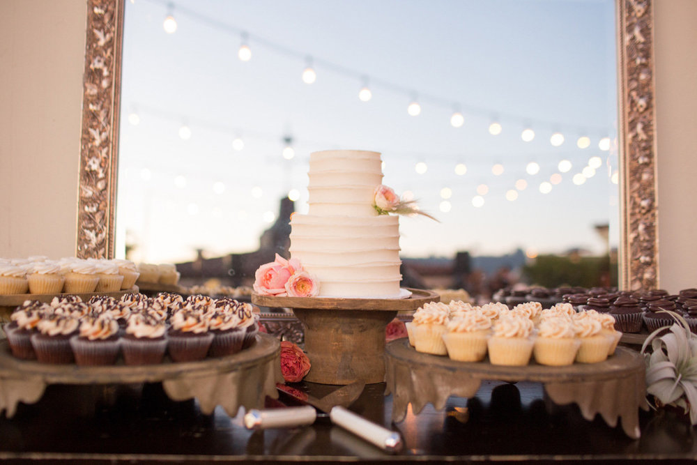 www.santabarbarawedding.com | Anna J Photography | Canary Hotel | Wedding Cake