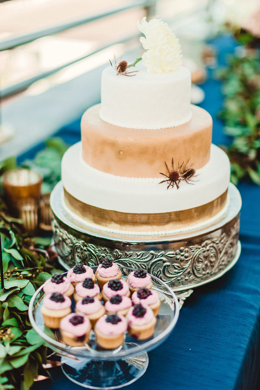 www.santabarbarawedding.com | Rewind Photography | Santa Barbara Maritime Museum | Wedding Cake