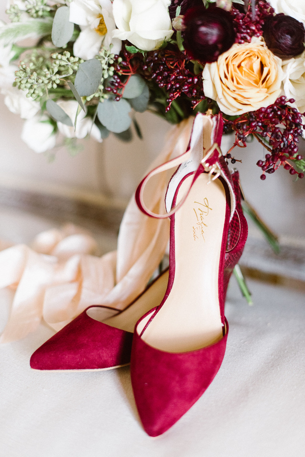 www.santabarbarawedding.com | Grace Kathryn Photography | Sunstone Winery | Bridal Shoes