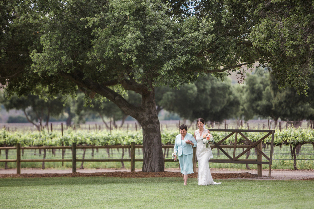www.santabarbarawedding.com | Anna J Photography | Firestone Vineyard