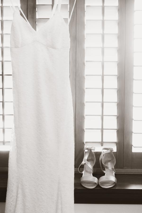 www.santabarbarawedding.com | Savannah Brown Photography | Santa Barbara Courthouse | Wedding Dress
