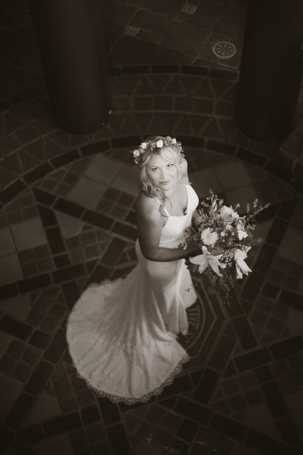 www.santabarbarawedding.com | Savannah Brown Photography | Santa Barbara Courthouse | Bride