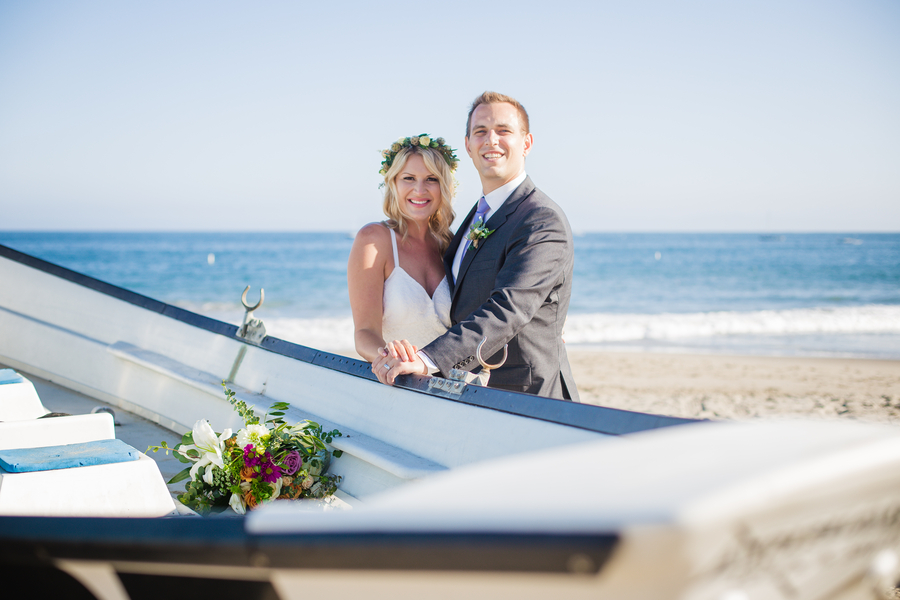 www.santabarbarawedding.com | Savannah Brown Photography | Santa Barbara Courthouse | Bride and Groom
