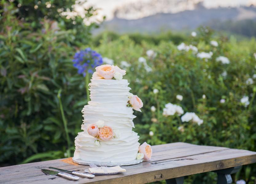www.santabarbarawedding.com | Willa Kveta Photography | Gerry Ranch | Wedding Cake