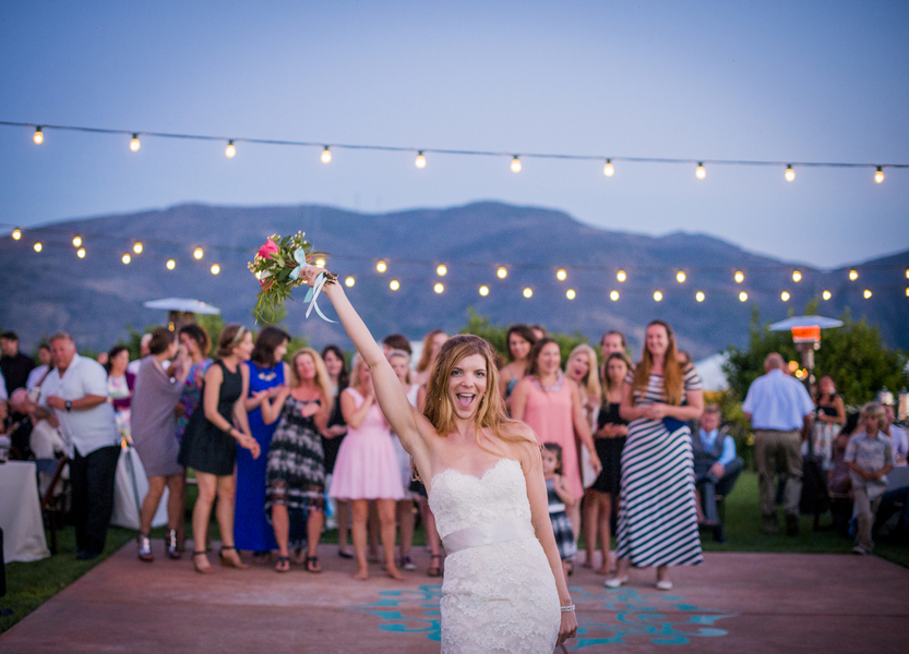 www.santabarbarawedding.com | Willa Kveta Photography | Gerry Ranch | Bouquet Toss