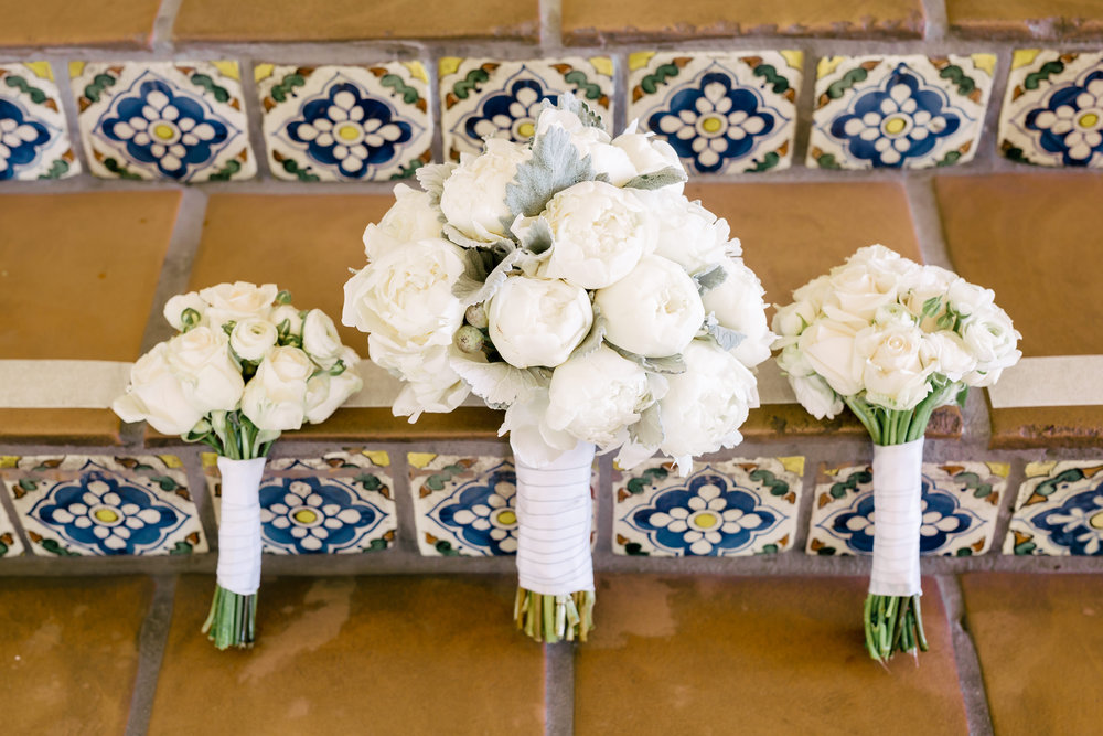 www.santabarbarawedding.com | Rewind Photography | Rancho La Patera | Serra Hall | Bouquet
