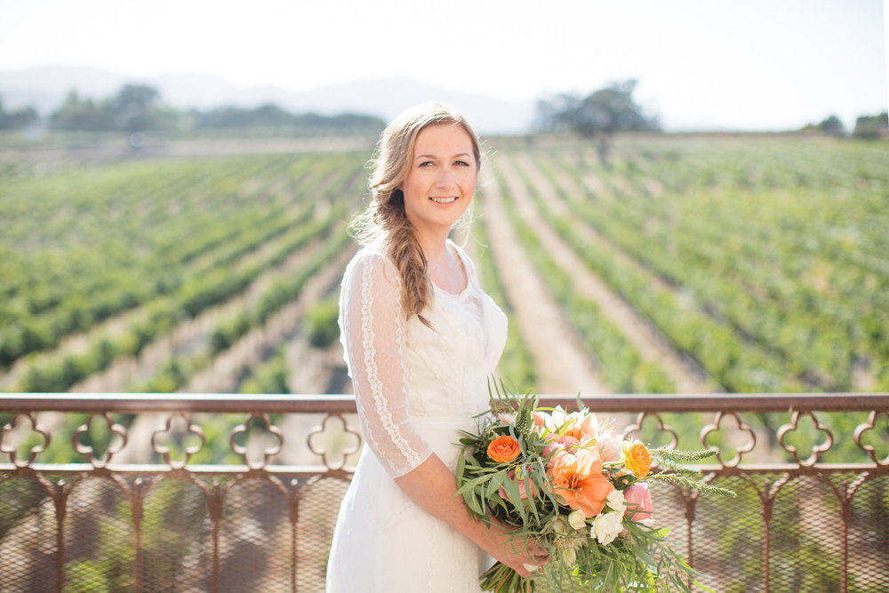 www.santabarbarawedding.com | Anna J Photography | Villa Sunstone | Ella & Louie | Bride