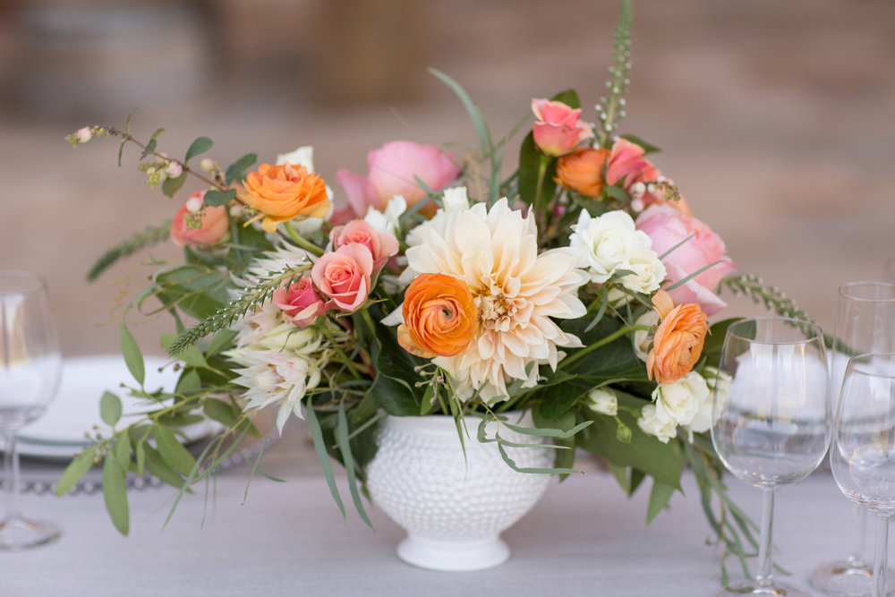 www.santabarbarawedding.com | Anna J Photography | Villa Sunstone | Ella & Louie | Reception Floral Arrangement