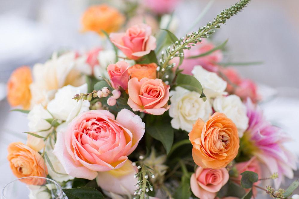 www.santabarbarawedding.com | Anna J Photography | Villa Sunstone | Ella & Louie | Floral Arrangement