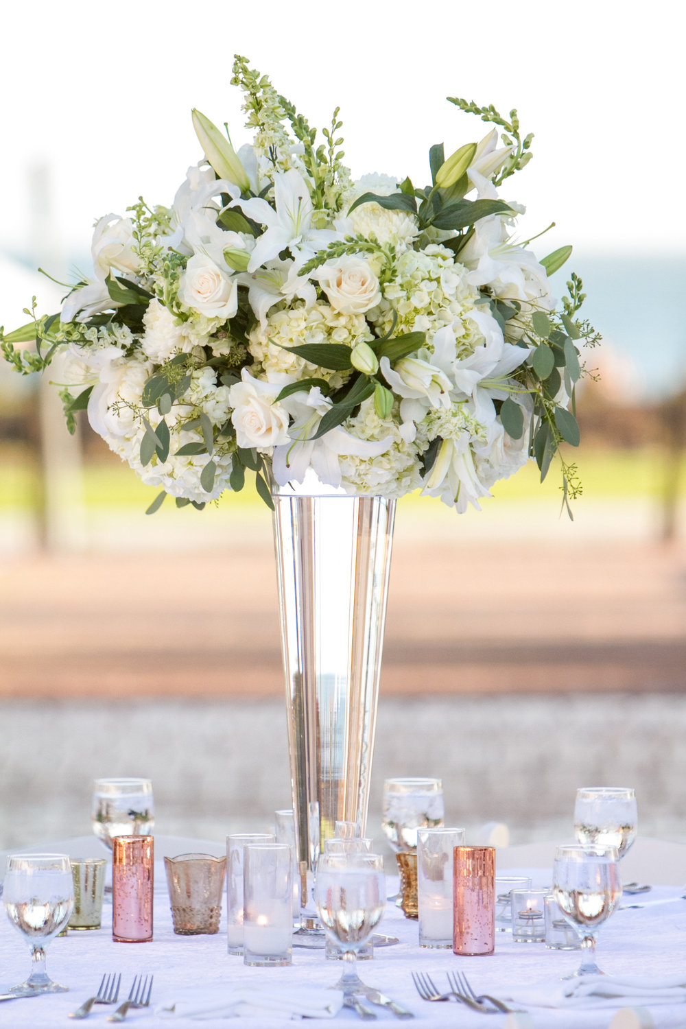 www.santabarbarawedding.com | Chris Schmitt Photography | Felici Events | Fess Parker Double Tree | Reception Floral Arrangement